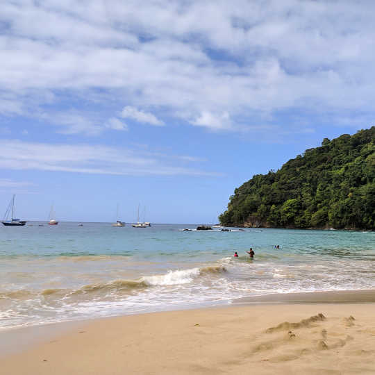 5 Caribbean destinations with less travel restrictions